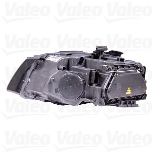 Valeo Front Right Headlight Assembly 8T0941030AM 44683