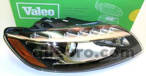 Valeo Front Right Headlight Assembly 4L0941030AK